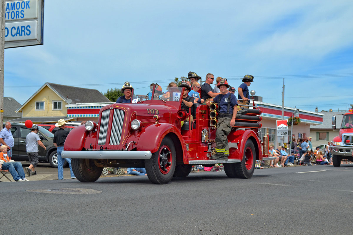 Oregon Tillamook June Dairy Parade