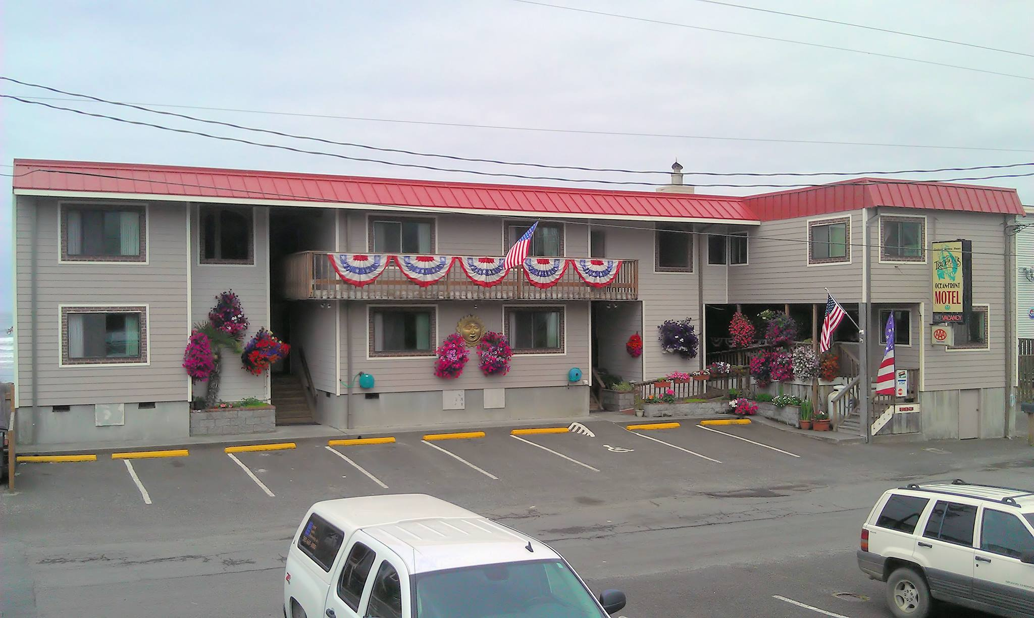 Rockaway Beach Hotels Motels Tradewinds